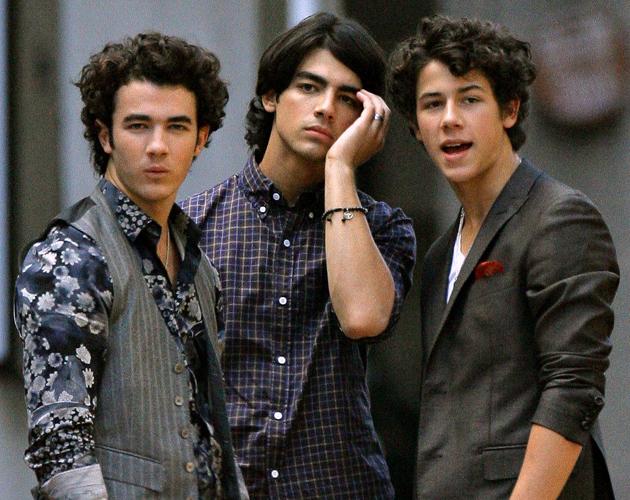 """Joe Jonas: """"Los Jonas Brothers volverán en un año""""   Red17"""
