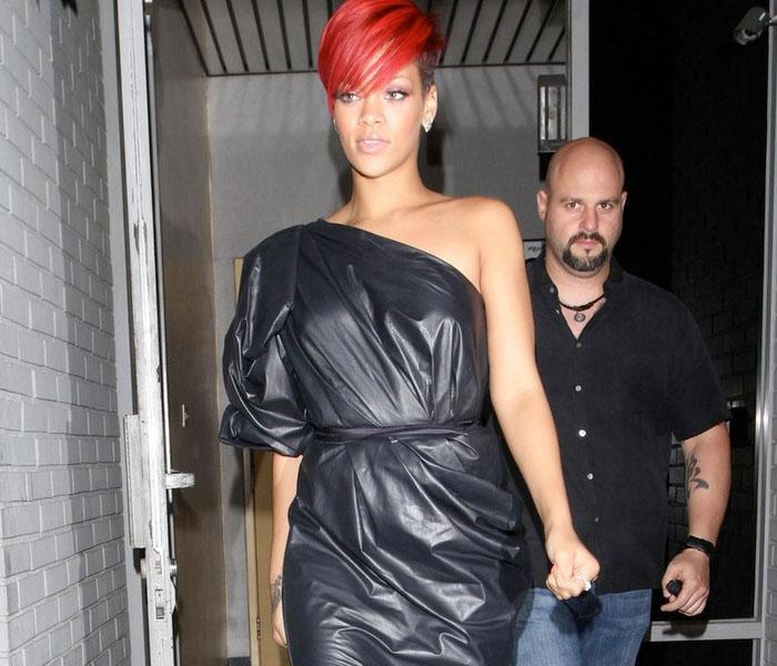 LOOKS: Rihanna y su bolsa de basura