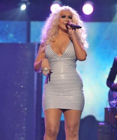 Christina Aguilera está encantada con su nueva figura... ¿Quién ha dicho complejos?