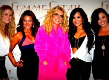 Demi Lovato en concierto de Britney Spears